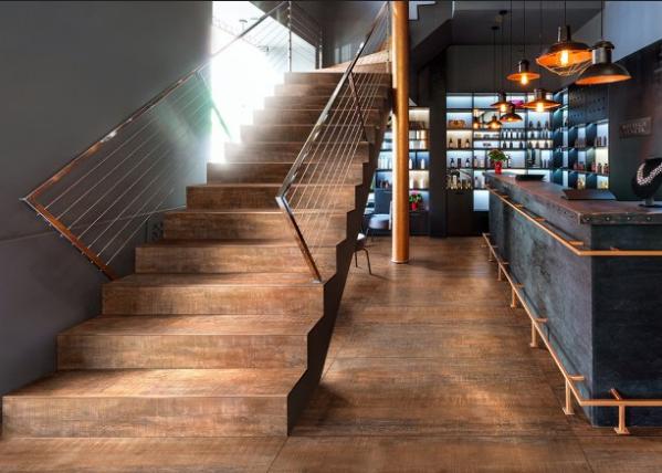 Treppenstufe, Sockelleiste